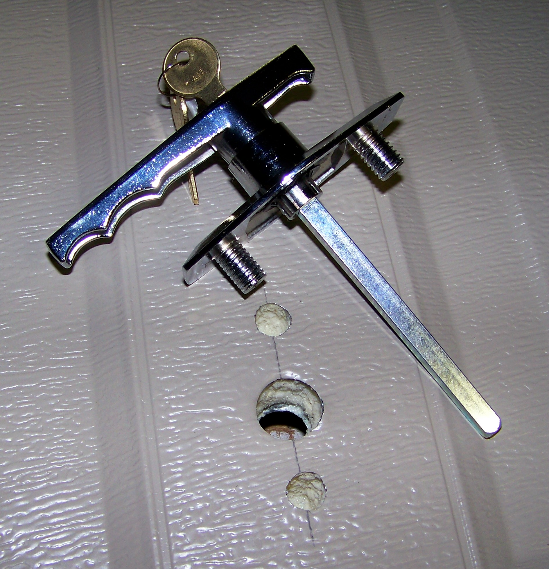 Wayne dalton garage door lock for 1 2 lock the door