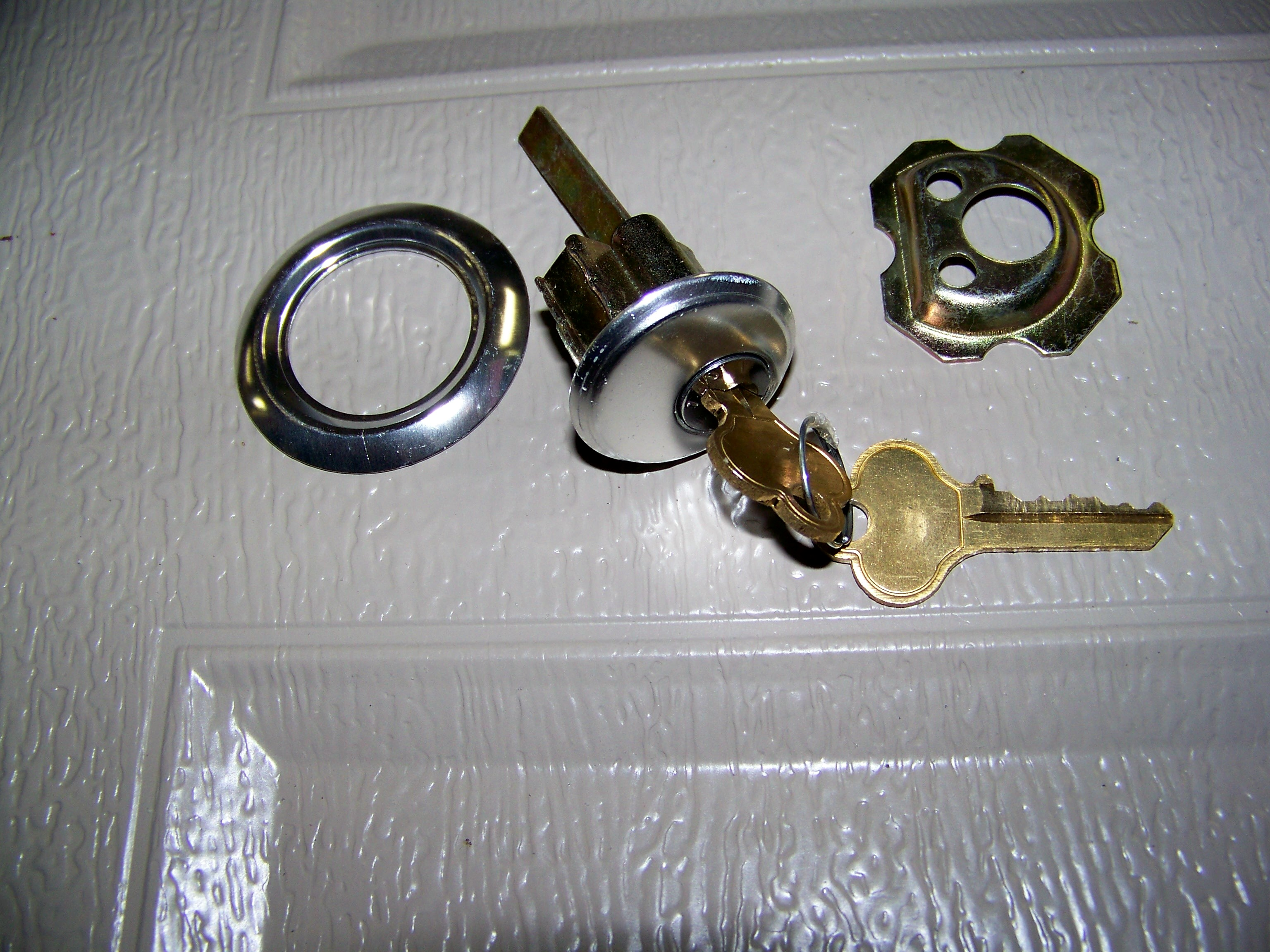 Garage door lock cylinder rubansaba