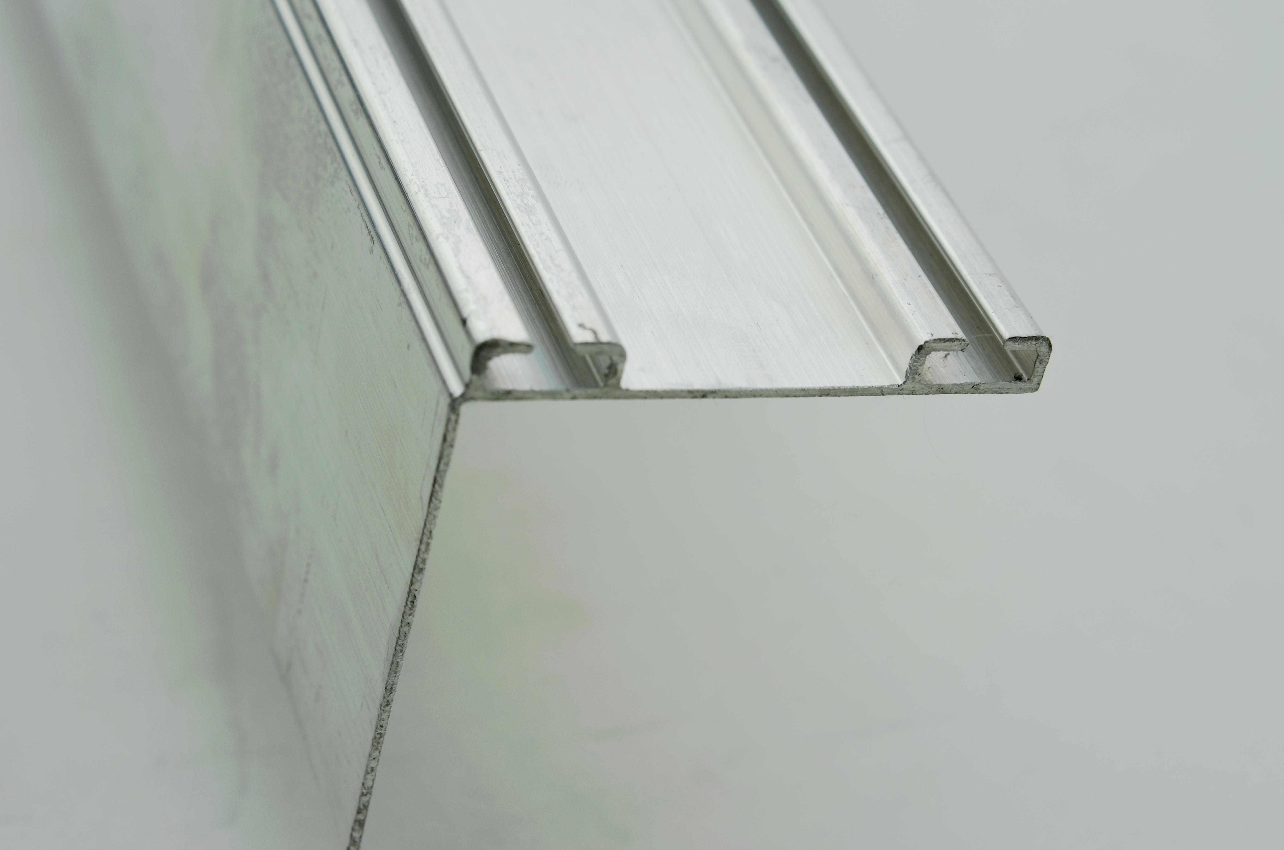 GARAGE DOOR RETAINER & Garage Door Bottom Retainer 2 X 2